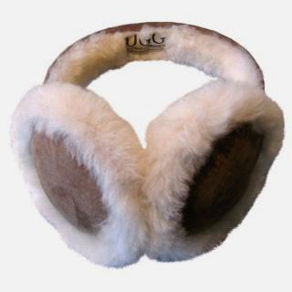 Sheepskin earmuffs